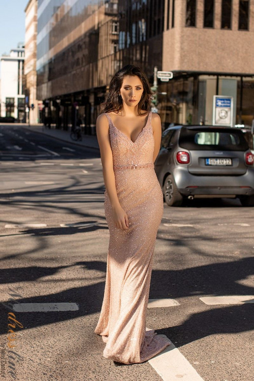 Fit and Fashion Girls Prom and Party Budget Designer Dresses Online