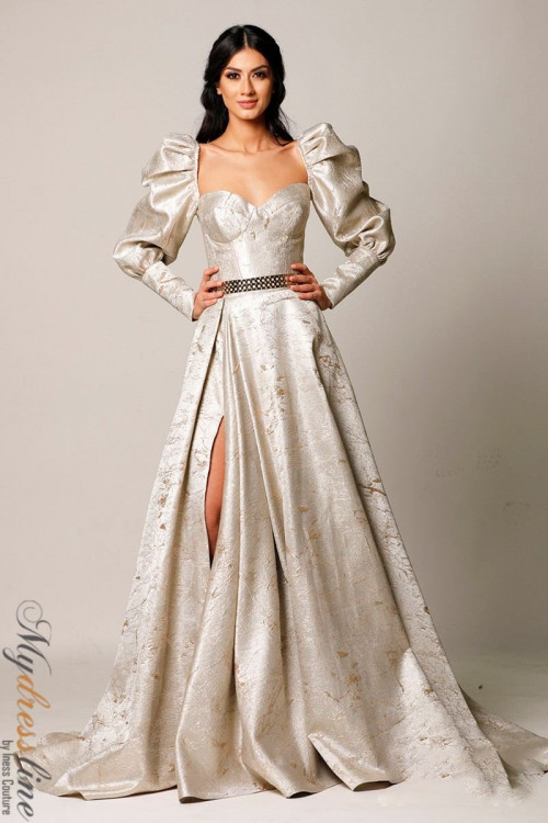 Hottest Gorgeous Prom Party and Homecoming Style Maintaining Women